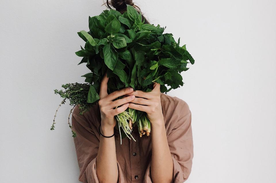 Co jeść, kiedy boli głowa? Niedobory minerałowe mogą nasilać ataki migreny