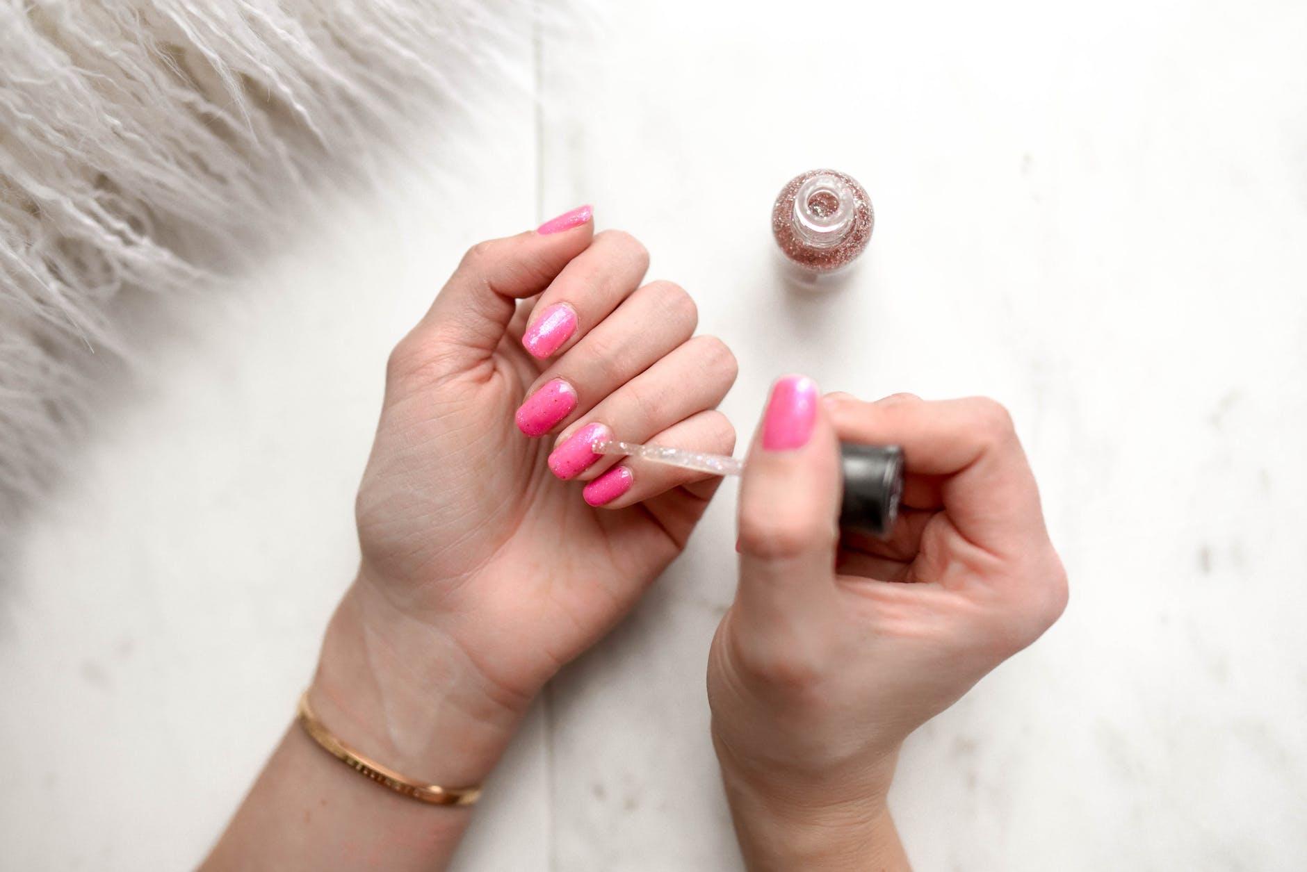 Czy manicure hybrydowy jest rakotwórczy?
